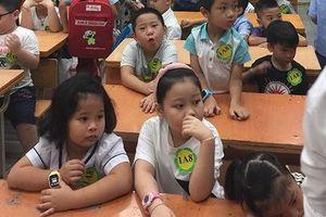 Nhập học lứa 'rồng Vàng' ở Thủ đô: Nơi đông như kiến, chỗ vắng hoe