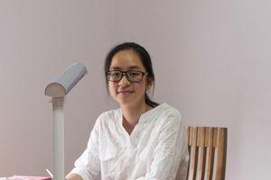 Cô bé mồ côi cha và con đường trở thành thủ khoa đại học Kinh tế Đà Nẵng