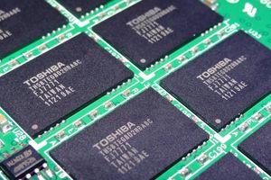 Ổ SSD dung lượng lớn sẽ tràn ngập thị trường nhờ chip NAND QLC