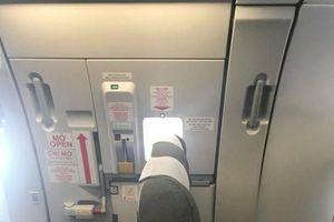 Vietnam Airlines bác bỏ thông tin lắp thêm ghế chắn cửa thoát hiểm