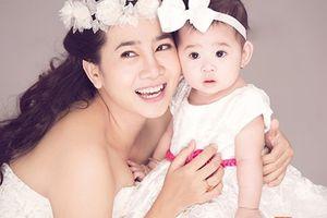 Xúc động với giây phút ngọt ngào của diễn viên Mai Phương và con gái Lavie