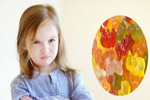 Trẻ ăn vitamin dạng kẹo gôm không đúng cách có nguy cơ cao mắc bệnh béo phì