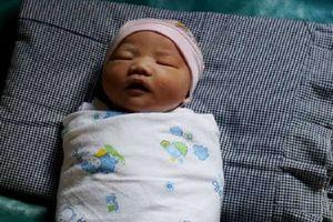 Sinh con đúng dịp ASIAD, cặp vợ chồng đặt tên bé là Asian Games