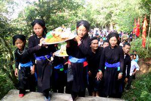 Hà Giang: Đặc sắc Lễ hội Hoàng Vần Thùng gắn với Tết cổ truyền Khu Cù Tê