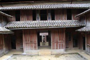 Tranh chấp sổ đỏ dinh thự Vua Mèo: Thứ trưởng Bộ Văn hóa làm việc với Hà Giang