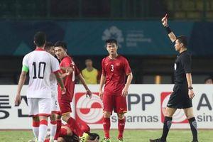 Vào bóng ác ý với Văn Thanh, cầu thủ Bahrain nhận thẻ đỏ rời sân
