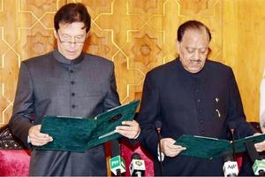 Ba thách thức của Thủ tướng Imran Khan