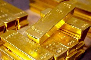 Giá vàng chốt phiên 23/8: USD tăng cao đẩy giá vàng lao dốc