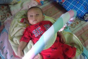 Tìm người thân của bé trai 3 tháng tuổi bị bỏ rơi bên đường