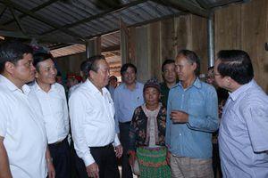 Phó Thủ tướng Thường trực thị sát tình hình di dân tự do ở Điện Biên