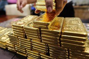 Giá vàng hôm nay 24/8: Đồng USD tăng cao, vàng lại... lao dốc