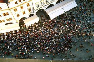 Đô thị ứng phó với quá đông du khách
