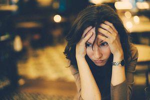 Tâm sự của người phụ nữ 'có chồng cũng như không'