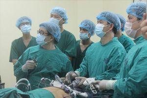 Phẫu thuật nội soi đánh bay u gan đa ổ cho bệnh nhân ung thư
