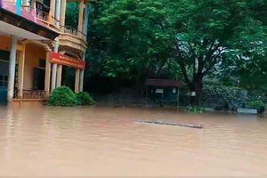 Hòa Bình: Sạt lở đất do mưa lũ, cháu bé 2 tuổi tử vong