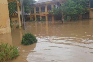 Mai Sơn – Sơn La: 1 người chết do mưa lũ, 3 điểm trường bị ngập úng