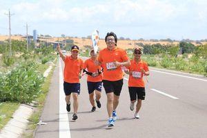 Giáo sư Xoay: 'Chạy 1 km mà ngỡ như cả 2.600 km'