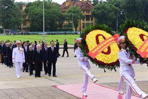 Tổng bí thư cùng lãnh đạo Đảng, Nhà nước viếng Chủ tịch Hồ Chí Minh