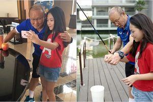 Những khoảnh khắc siêu 'cute' cùng fan nhí của 'thuyền trưởng' Park Hang Seo đội tuyển U23 Việt Nam