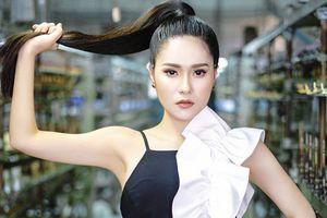 Khó lòng rời mắt trước thời trang 'đắt xắt ra miếng' của nữ giám khảo Di Băng tại Siêu mẫu Việt Nam