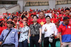 Ngọc Sơn – Michael Lang thưởng 250 triệu đồng cho đội tuyển Olympic Việt Nam
