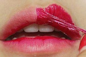 Bác sĩ tiết lộ tác hại kinh hoàng khi xăm môi thẩm mỹ khiến nhiều người mang tật