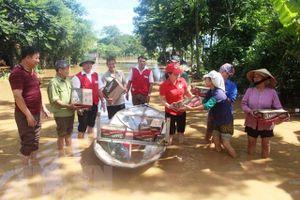 Khẩn trương cứu trợ cho người dân Thanh Hóa