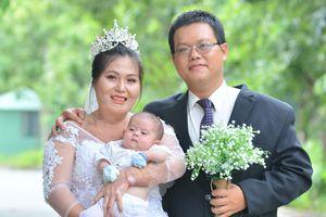 Chuyện tình cổ tích những cặp 'đũa lệch': Chàng Sài Gòn quyết cưới 'cô bỏng vé số'
