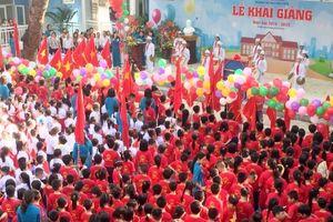 Gần 2.500 học sinh Tiểu học Phúc Diễn khai giảng trong ngôi trường mới