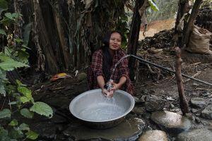 Ngôi làng miền núi 'khát nước' ở Nepal