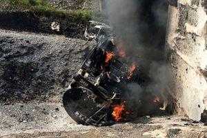 Vụ cháy xe bồn trên cao tốc Nội Bài- Lào Cai: Cầu Ngòi Thủ hư hỏng nặng, tạm dừng xe qua lại