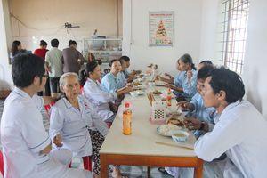 Báo Văn Hóa- Bệnh viện Đa khoa Khu vực Bắc Quảng Bình: Sẽ kêu gọi hơn 300 triệu đồng chung tay vì bệnh nhân nghèo