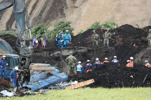 Số người chết do động đất ở Nhật tăng cao