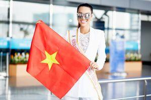 Người đẹp Khả Trang mang 10 thùng hành lý đi thi Siêu mẫu Quốc tế