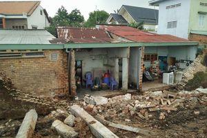 Sập tường rào công trình xây dựng, 3 người thương vong ở Đồng Nai