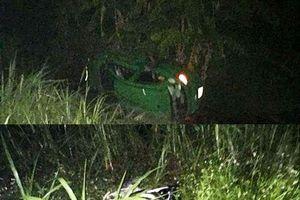 Taxi va chạm xe máy khiến 4 người thương vong