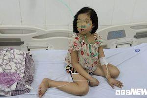 Cứu sống bé gái mắc 6 bệnh nguy hiểm