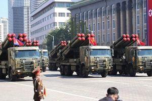 Trump ca ngợi Kim Jong-un vì không khoe ICBM trong lễ duyệt binh