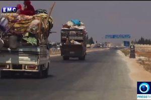 Hàng trăm gia đình rời khỏi Idlib khi Nga và Syria khôi phục các đợt không kích