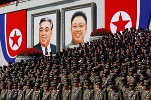 Triều Tiên mừng 70 năm lập nước, cờ hoa thay tên lửa