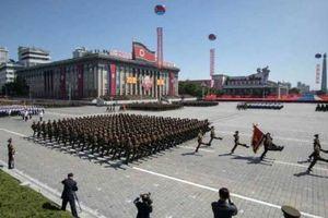 Ông Trump khen Triều Tiên duyệt binh không trưng tên lửa hạt nhân