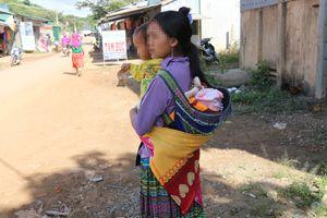 Phía sau những bi kịch người mẹ trẻ sinh con từ thuở 12