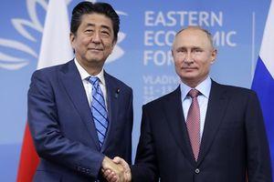 Tổng thống Nga Putin 'bắt' Thủ tướng Nhật Abe chờ 2 tiếng rưỡi