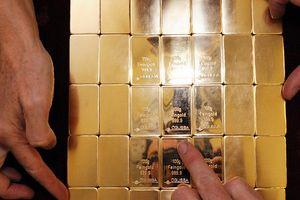 Kỳ vọng đồng USD tăng giá đẩy vàng xuống dưới 1.200USD/ounce
