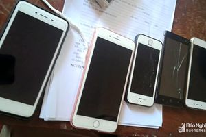 9X đột nhập nhà trọ trộm điện thoại