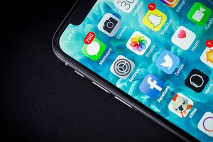 iPhone giá rẻ XC sẽ khan hàng và rất khó mua, phải chờ đợi lâu mới được giao hàng
