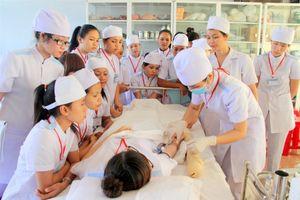 Tăng cường đào tạo nhân lực y tế cơ sở
