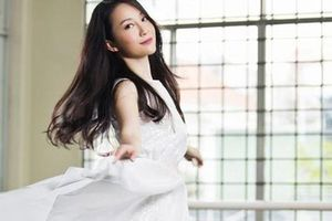 'Chim công' Linh Nga sẽ múa cùng Hoa hậu Hoàn vũ Riyo Mori