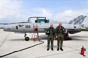 Kỳ lạ: Phi công Israel thích thú lái 'quan tài bay' MiG-21