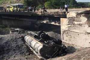 Làm cầu tạm trên đường cao tốc Nội Bài - Lào Cai sau sự cố nổ xe bồn
